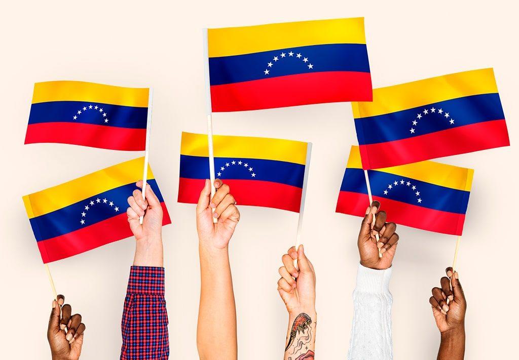 Nada impide al Gobierno de España asumir una política humanitaria hacia los Venezolanos migrantes.